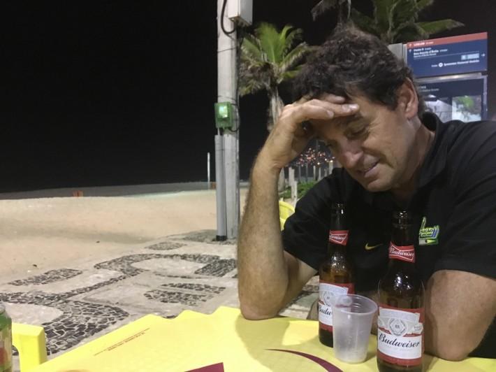HP327夜のビーチ飲み過ぎジュニオール